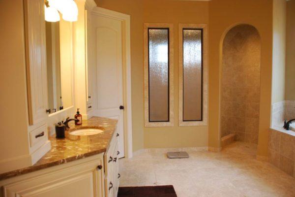 Master-Bathrooms-16