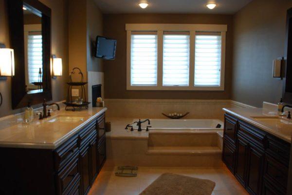 Master-Bathrooms-7