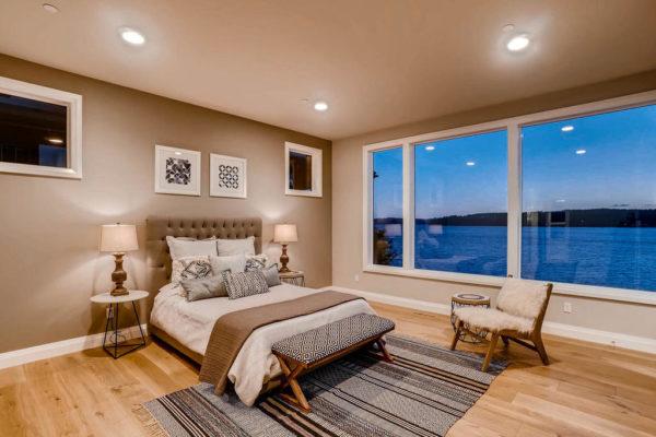 3624 Soundview Dr University-MLS_Size-024-37-Master Bedroom-1024x768-72dpi