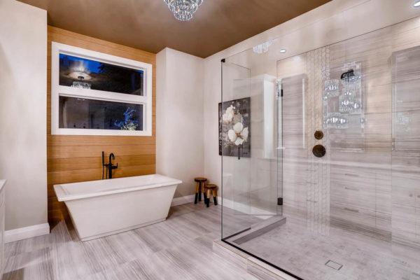 3624 Soundview Dr University-MLS_Size-026-27-Master Bathroom-1024x768-72dpi