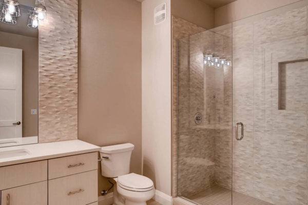 3624 Soundview Dr University-MLS_Size-036-23-Lower Level Bathroom-1024x768-72dpi